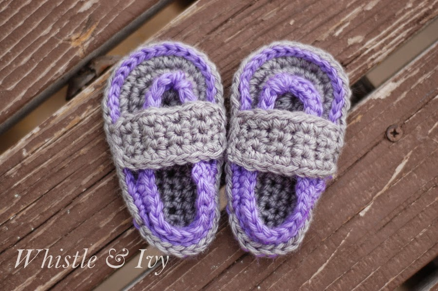 01c4911f914f1 How To Crochet Baby Flip Flop Sandals  Video And Free Pattern - DIY ...