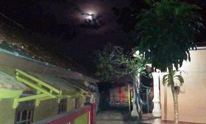 Foto Awan Berbentuk Lafaz Allah di Purwakarta - FBWulan Ameliawati