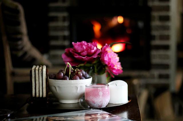 co robić w jesienne długie wieczory, pomysły na jesienna chandre, długie jesienne wieczory, aromatyczne świece, pachnące świece, cynamonowe świece