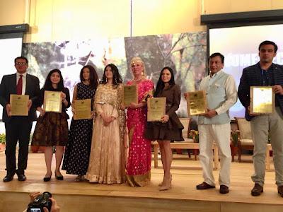 actress-rekha-rana-felicitated-with-women-economic-forum-2018-award
