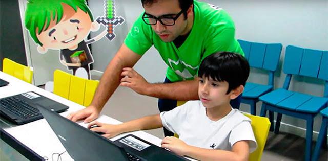 Prodígio brasileiro de 6 anos cria game e vence concurso da NASA.