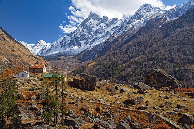 Har Ki Doon trek - One of the most famous trek in Garhwal Himalayas