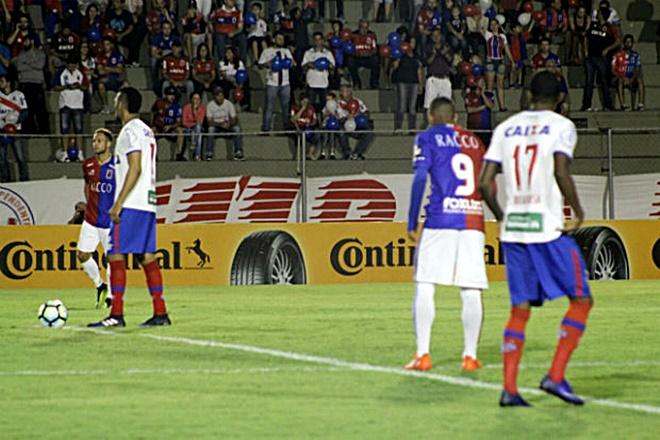 Bahia perde do Paraná e está eliminado da Copa do Brasil
