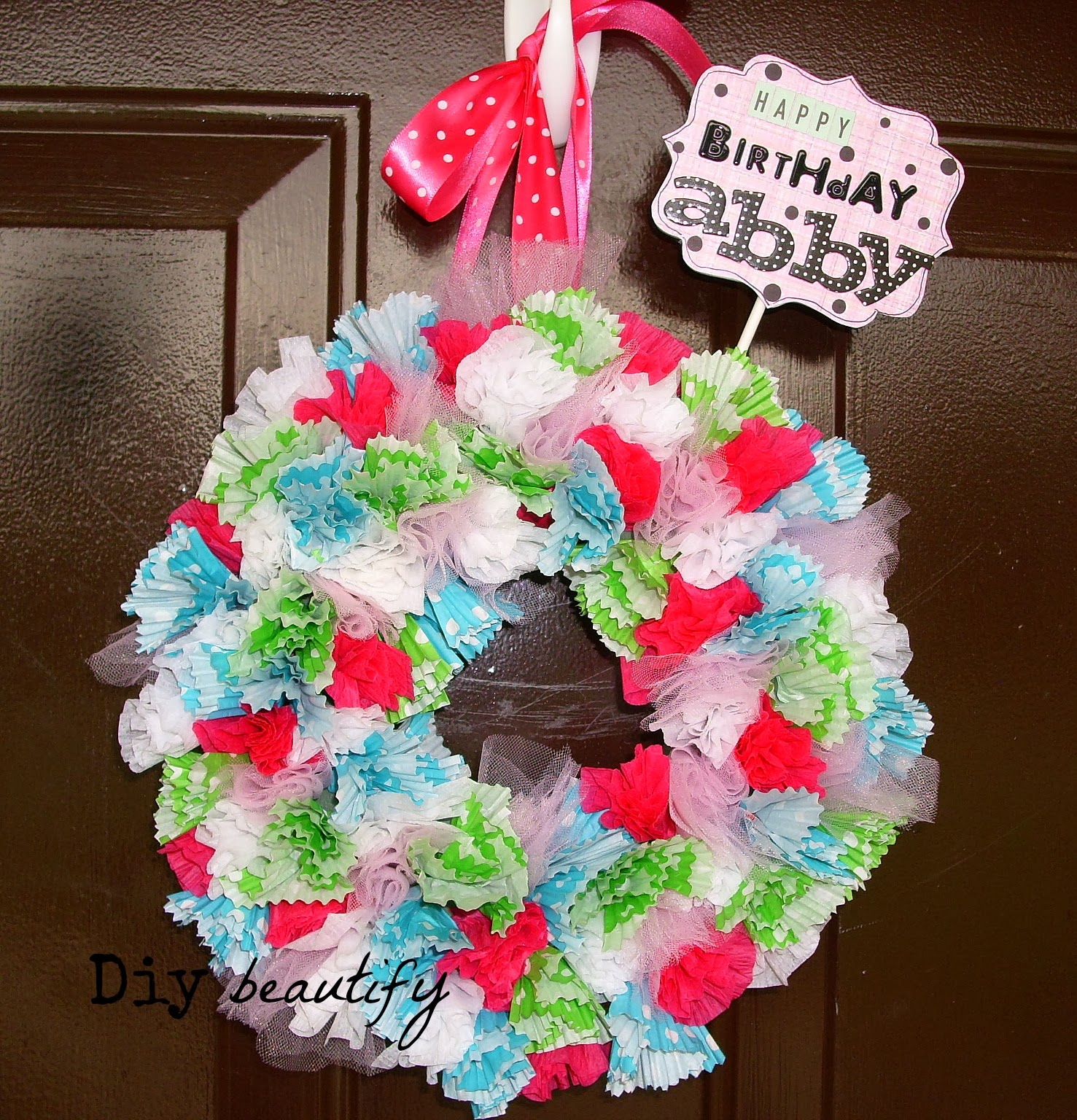 Cupcake Liner Wreath www.diybeautify.com