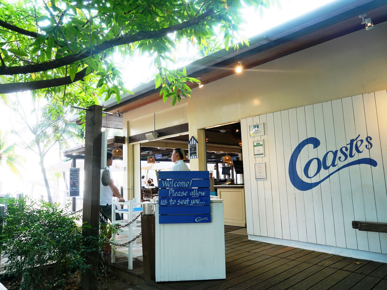 PinkyPiggu: Coastes @ Siloso Beach, Sentosa ~ Beachfront Dining ...