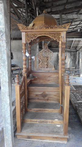 mimbar, mimbar masjid, mimbar masjid murah, mimbar masjid jati, mimbar masjid ukir, cari mimbar masjid,  pesan mimbar masjid
