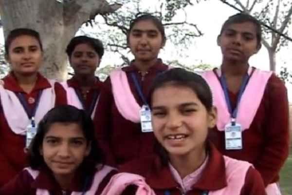 सूरजकुंड मेला पहुंचीं 'कृष्ण सुदामा' पर ऐतिहासिक गीत गाने वाली हरियाणा की बेटियां: VIDEO