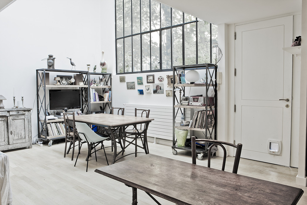 automatism a paris loft. Black Bedroom Furniture Sets. Home Design Ideas