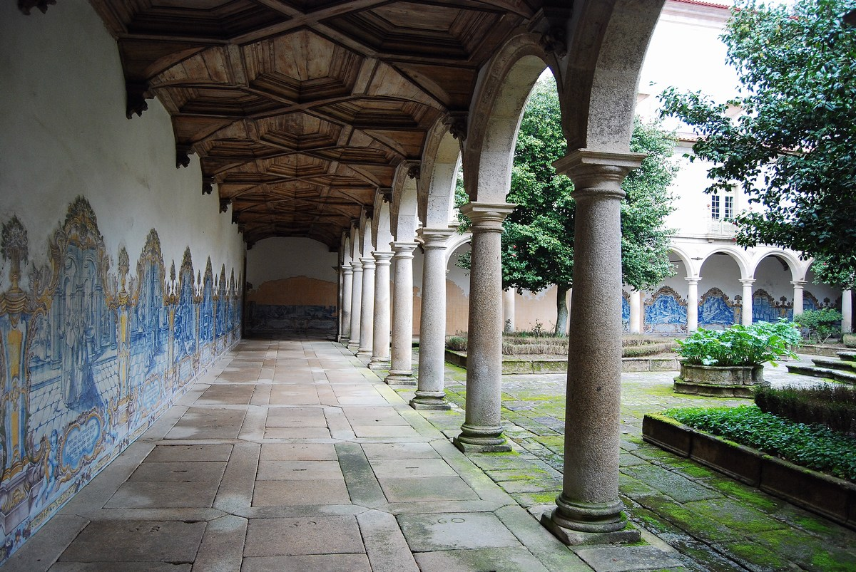 grand cloître central Tibaes