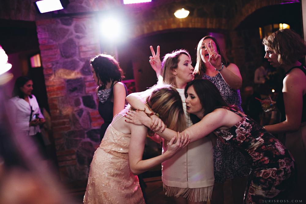 grupas deja viesības