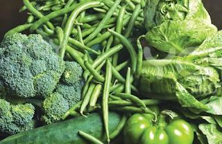 Sayuran berwarna hijau