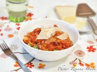 Paste cu spanac si sos de rosii cu ceapa si parmezan