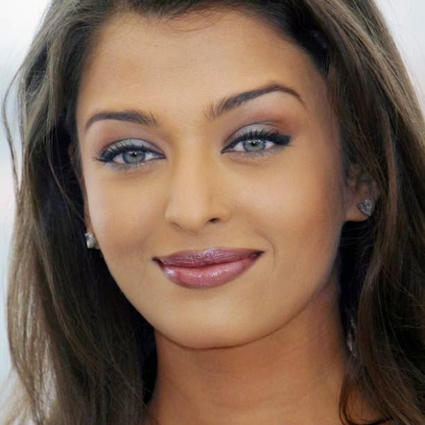 Beautiful Indian Bollywood Actress All Time: Kiss Ready: Bollywood Actress With Most Beautiful Lips