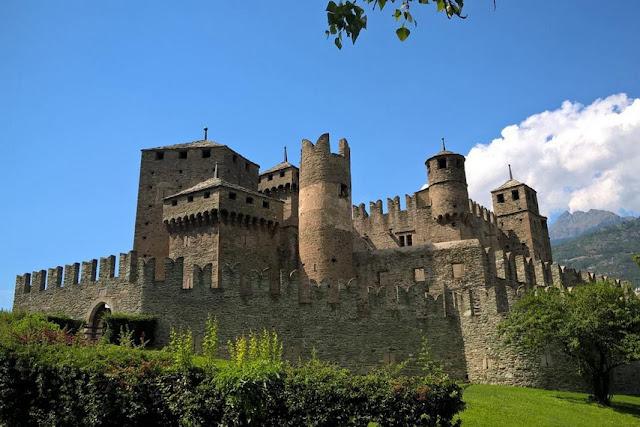 visitare il castello di fenis