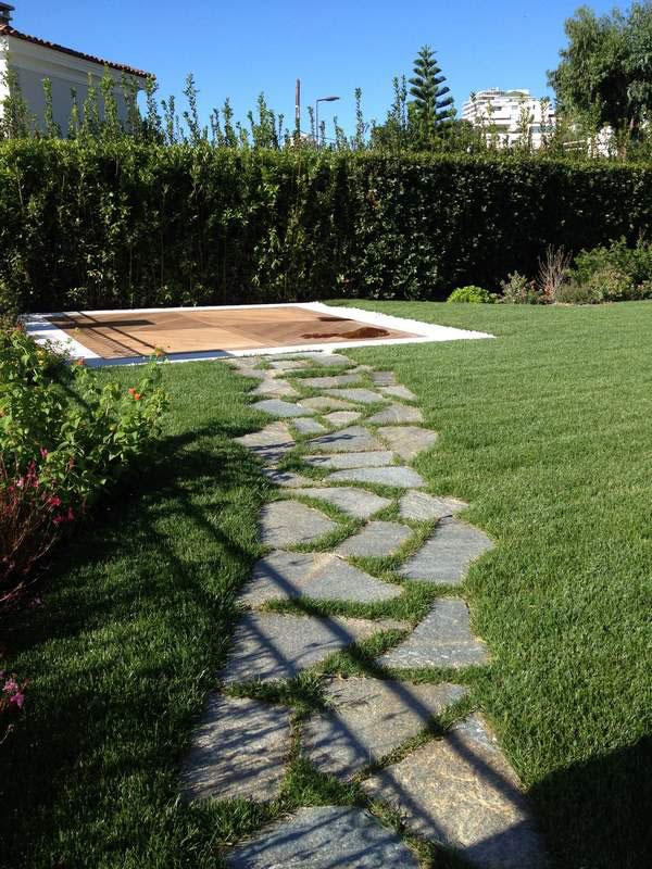 La pietra di luserna materiale perfetto per decorare le for Laghetti nei giardini