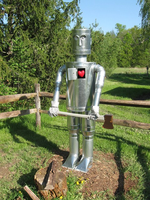 Make a tin can man in your garden for Tin man out of cans