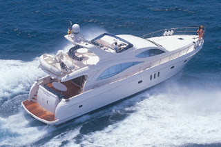 Rent A Yacht In Mumbai For An Amazing Vacation - Luxury
