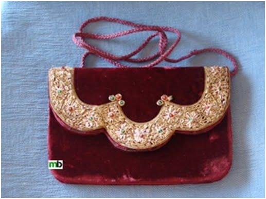 36b8d882925 También se combinaban ricos bordados con boquillas espectaculares hechas en  carey