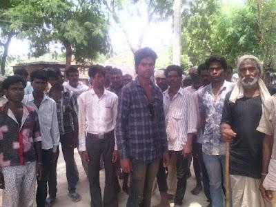 12 गांव के आदिवासियों ने नशा प्रतिबंध हेतु उठाया कदम चौपाल में लिए कई निर्णय