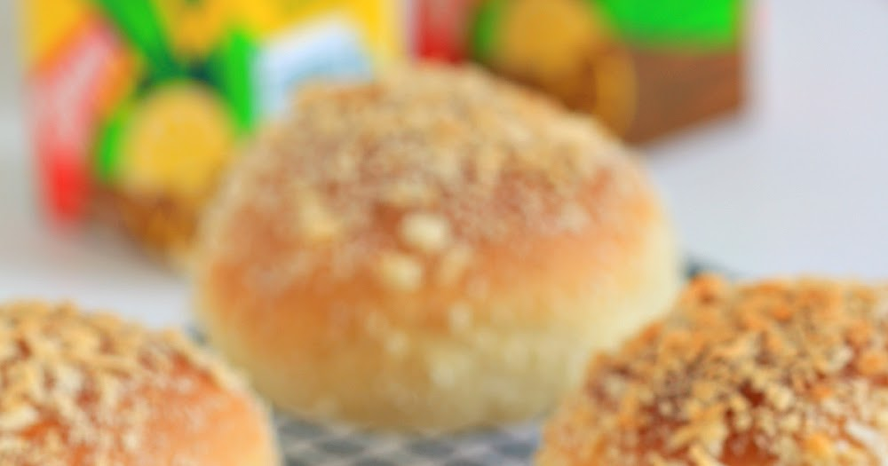 my bare cupboard: Japanese curry buns