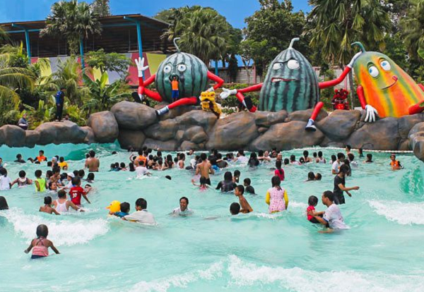 wisata keluarga di bogor water kingdom mekarsari
