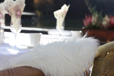 Kaffeetafeln, Romantische Herbsthochzeit in den Bergen von Garmisch-Partenkirchen, Vintage-Style, heiraten im Hochzeitshotel Riessersee Hotel; wedding destination abroad Bavaria, Fall mountain wedding