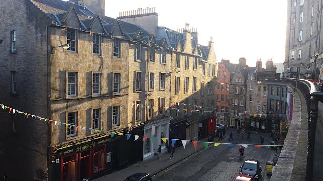 Cosa fare a Edimburgo in un week-end - Victoria Terrace - Get in Globe