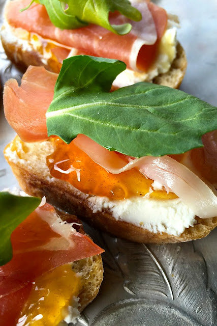 PROSCIUTTO GOAT CHEESE CROSTINI AND A QUIET HOSPITALITY
