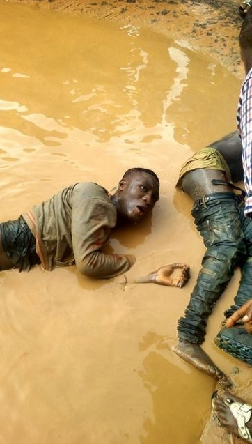 Terrible!!! 2 Robbers Stripped N*ked and Brutally Beaten after a Failed Operation (Graphic Photos)