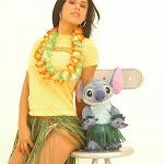 Andrea Rincon, Selena Spice Galeria 13: Hawaiana Camiseta Amarilla Foto 12