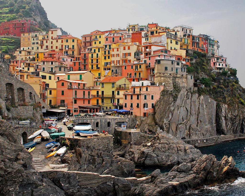 Θα σας πιάσει ανατριχίλα: Πόλεις χτισμένες πάνω σε γκρεμό! Μεταξύ τους και μία ελληνική... (Photos)