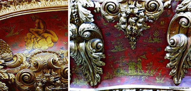 Órgão barroco decorado com chinesices na Capela de São Miguel, na Universidade de Coimbra