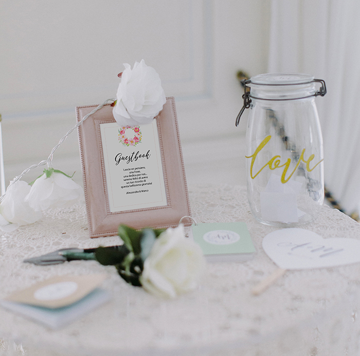 guestbook per matrimonio con peonie