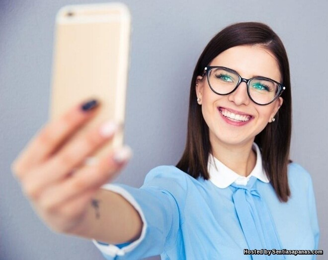 Orang Yang Suka Selfie Sebenarnya Kesunyian Dan Inginkan Perhatian!