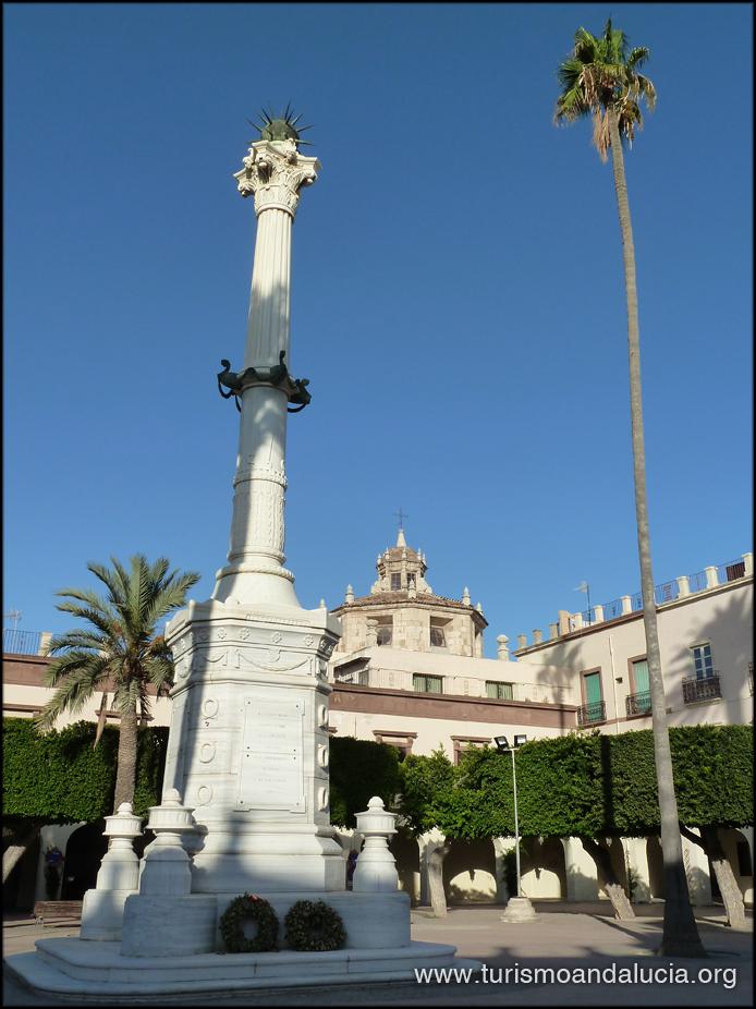 Tourismalmería La Plaza Vieja Y El Monumento A Los Coloraos