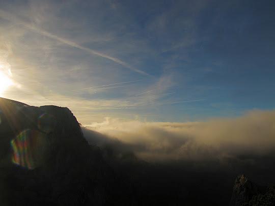 Chmury nad Doliną Małej Łąki.