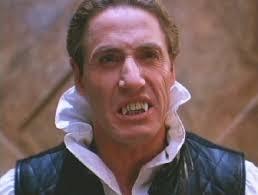 Roger Daltrey interpreta a Vlad, un despiadado vampiro