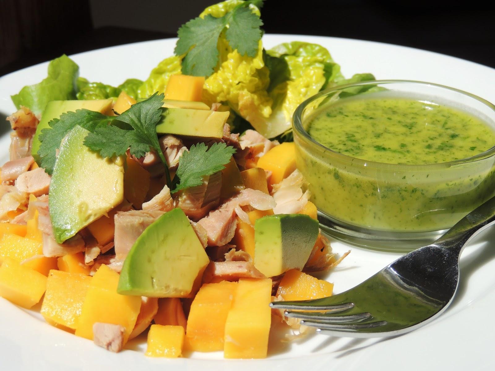midi cuisine salade de mangue avocat et poulet sauce citron vert et coriandre. Black Bedroom Furniture Sets. Home Design Ideas