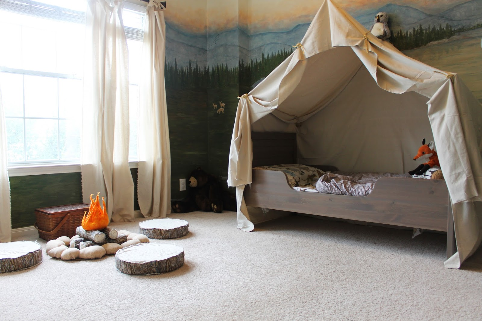 Amazing Safari Themed Kids Bedroom
