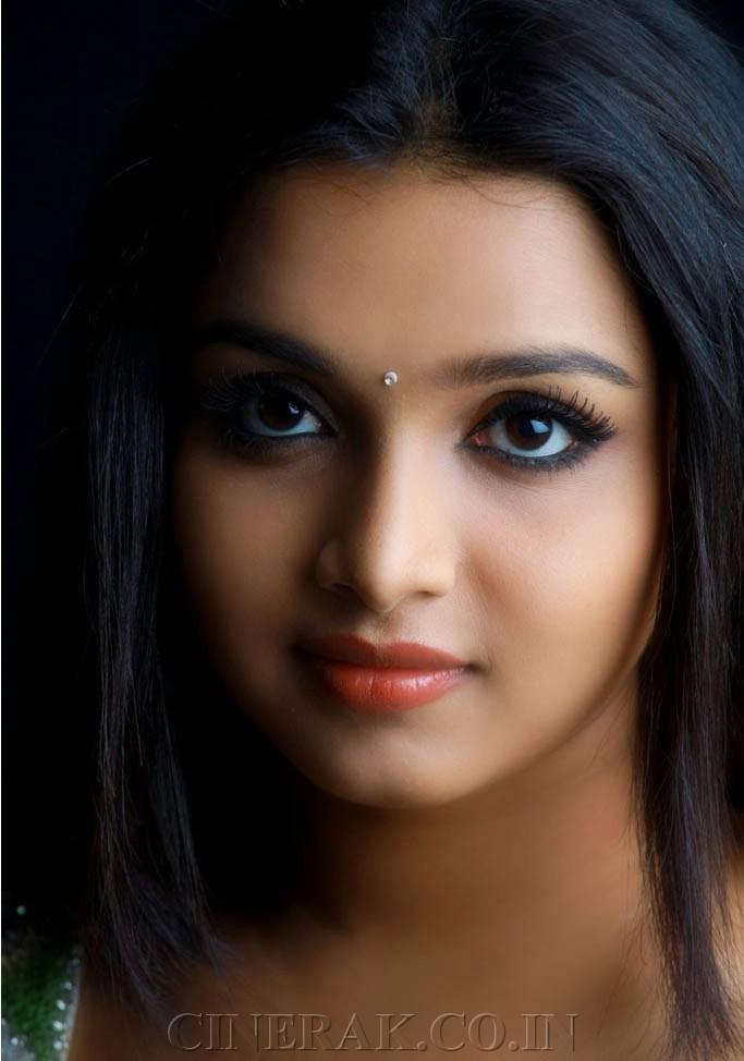 Actress Deepthi Latest photoshoot Gallery