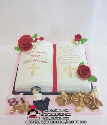 Kue Tart Bentuk Buku Kitab Injil Untuk Oma