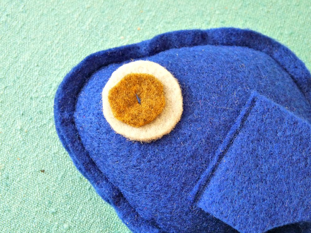 DIY Felted Fish Catnip Toy