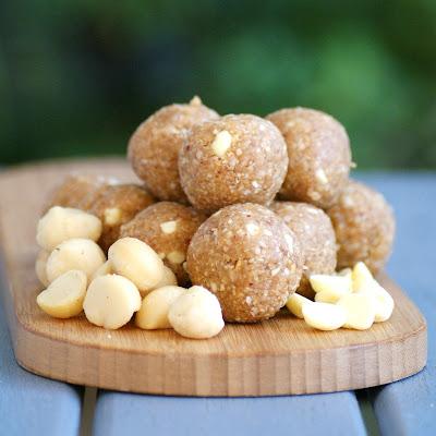 Healthy White Chocolate and Macadamia Nut Cookie Dough Bites - raw, vegan, gluten free, sugar free, healthy