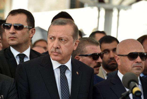 Με «σθεναρή απάντηση» σε Ελλάδα και Κύπρο απειλεί ο Ερντογάν