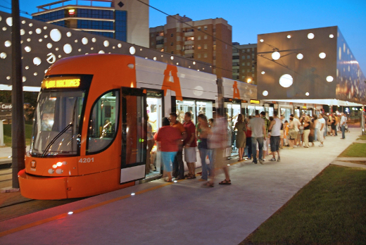 TRAM d'Alacant ofrecerá servicio ininterrumpido del 20 al 24 junio para facilitar la movilidad en Hogueras
