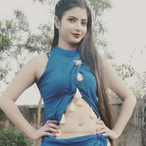 Bhojpuri heroine Priyanka Maharaj Sexy look