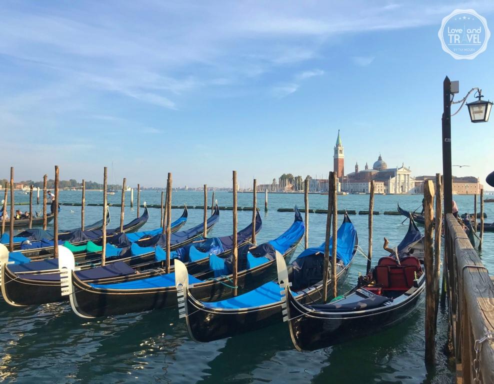 Gondolas de Veneza, Itália