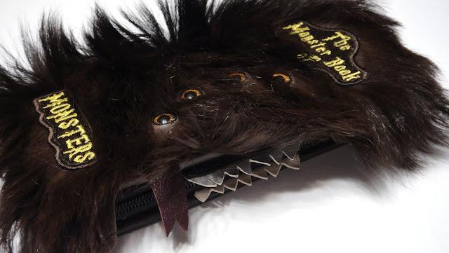 Чехол для смартфона - подарок поклоннику Гарри Поттера. Натуральный мех и натуральная кожа. Доставка почтой или курьером