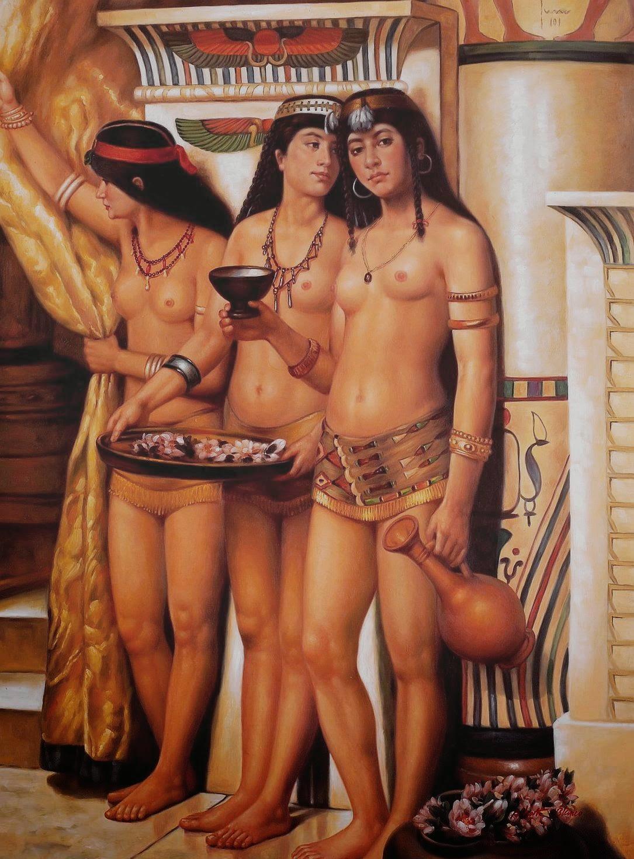 Обнаженная женщина в костюме нефертити