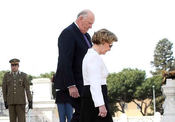 King Harald and Queen Sonja of Norway leave a wreath at the Altare della Patria (Altar of the Fatherland -Tomb of the Unknown Soldier)